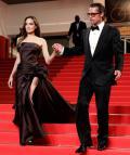 """ანჯელინა ჯოლის 10 საუკეთესო კაბა """"Versace"""" - ს  კოლექციიდან"""