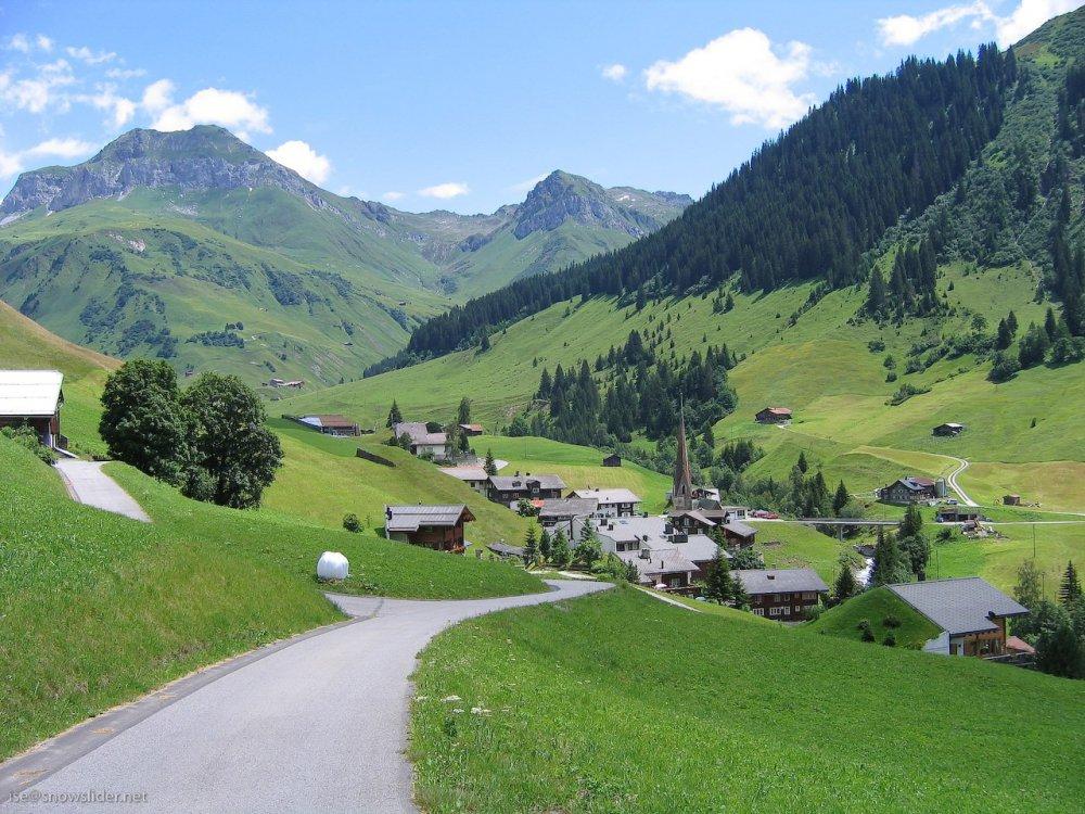 Lihtenštajn  Aq-kars-aravin-ketavs-danaSaulis-maCvenebeli-aq-yvelaze-dabalia-bolos-