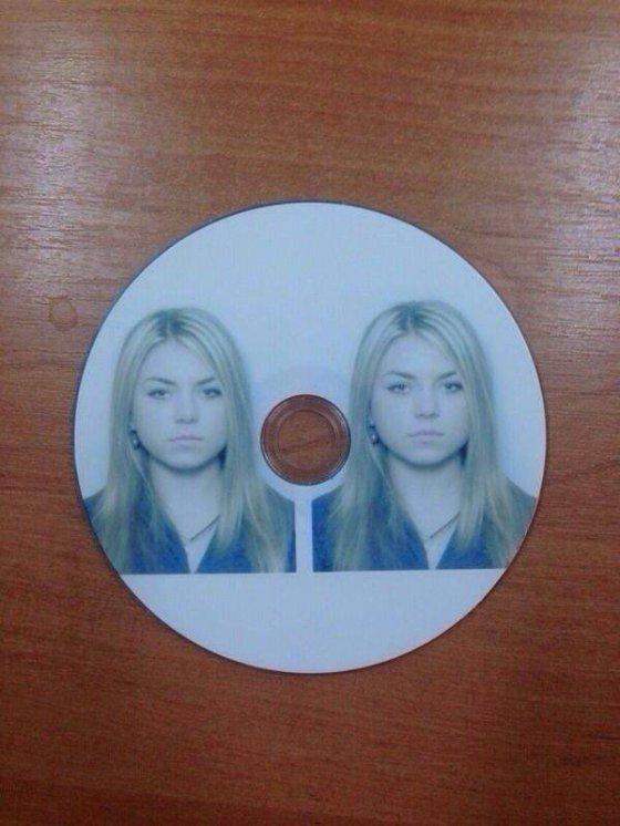 უნივერსიტეტში გოგონას მოთხოვეს ორი ფოტოსურათი დისკზე  და აი შედეგიც