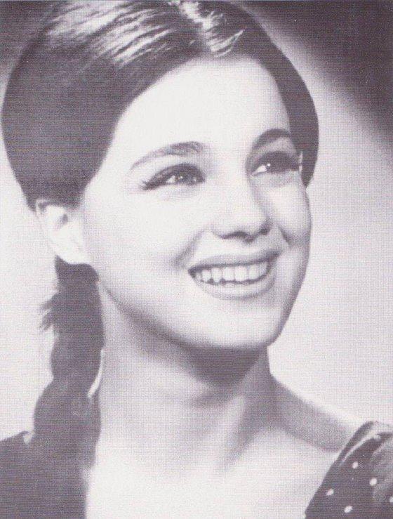 ადრე არ იყო პლასტიკური ოპერაციები მაგრამ იყო სილამაზე...აბა ქართველებო იცით ვინ არის ეს ლამაზი ქალი?