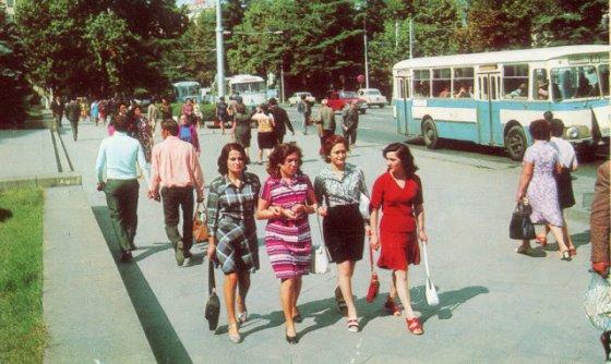 aseTi-feradi-iyo-Tbilisi.jpg