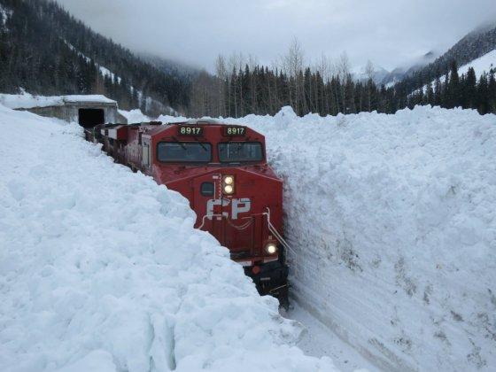 მატარებელი კანადაში-აი ესაა  ზამთარი