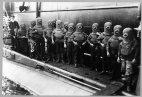 წყალქვეშა ნავის ეკიპაჟი  სკაფანდრებში, 1908 წელი
