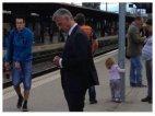 შვეიცარიის პრეზიდენტი Didier Bukhalter სამსახურში მიემგზავრება საზოგადოებრივი ტრანსპორტით