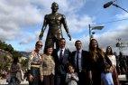 პორტუგალიელს მშობლიურ მადეირაზე გიგანტური ძეგლი დაუდგეს