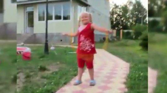 """""""სასიკვდილო"""" ტრიუკი 3 წლის ბავშვის შესრულებით"""